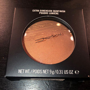 MAC SKINFINISH HIGHLIGHTER GLOW WITH IT